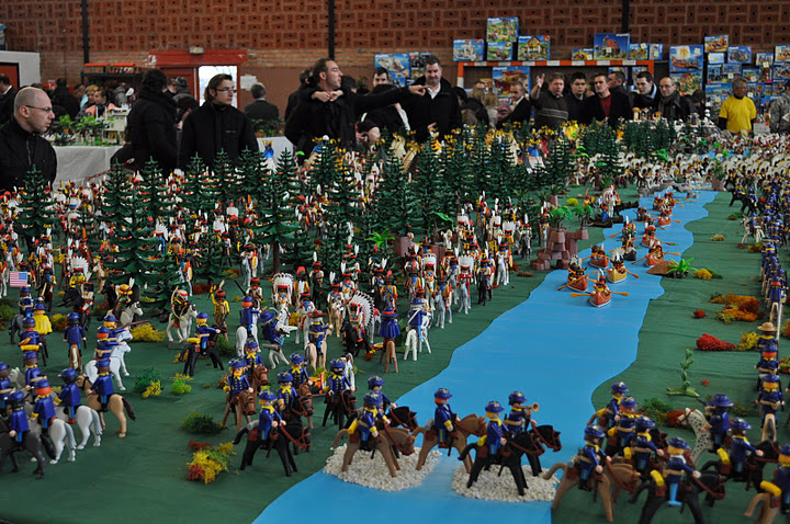 Chateau playmobil geant